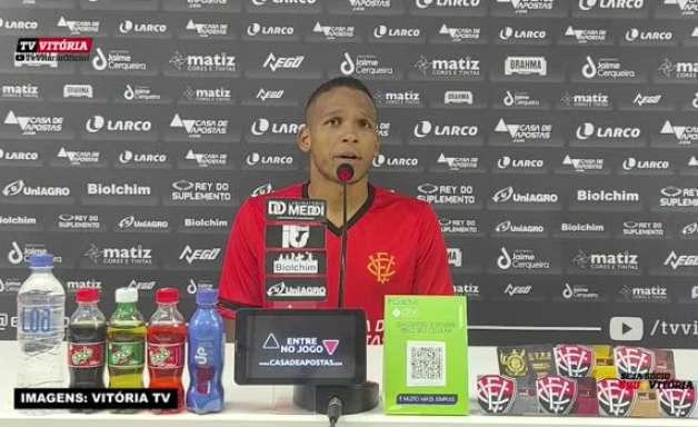 """VITÓRIA: Gabriel Bispo comenta competitividade pela posição e revela sonho de levar o clube de volta a Série A: """"Lugar da onde não deveria ter saído"""""""
