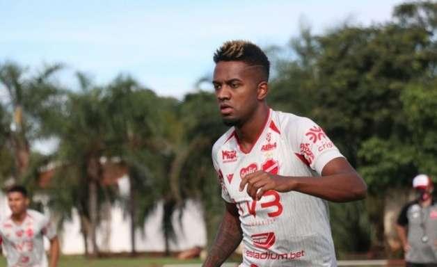Vice goiano, dificuldade no alto e reencontro com Kelvin: como chega o Vila Nova para enfrentar o Botafogo