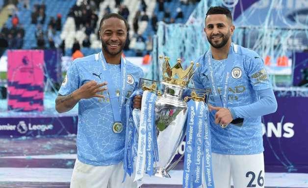 Manchester City pode vender Sterling e Mahrez, diz jornal inglês