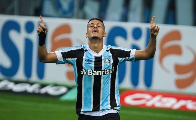 Com time misto, Grêmio vence Brasiliense na Copa do Brasil