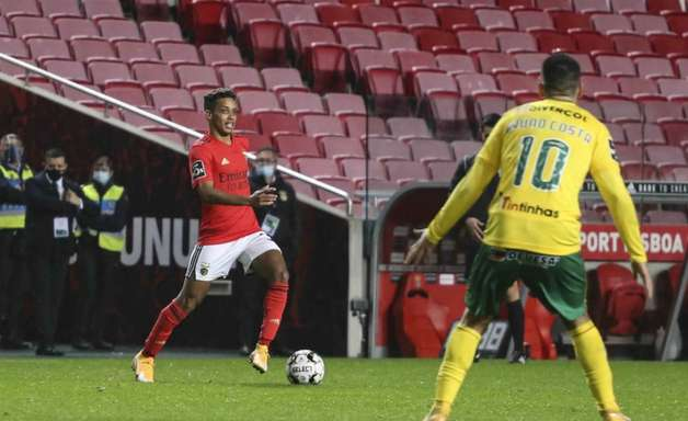 Negociação entre Benfica e Shakhtar por Pedrinho encontra barreira