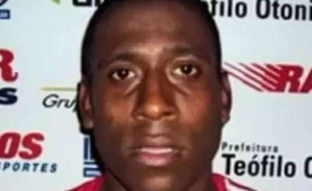 Ex-atacante de Flamengo e Santos morre em acidente moto