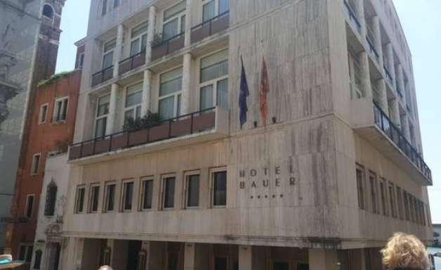 Turista morre ao cair do quinto andar de hotel em Veneza