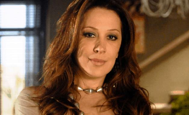 Tititi - Capítulo de Sexta-feira (18/06): Jaqueline se irrita com Jacques
