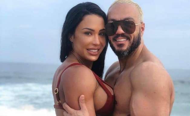 Belo resgata foto e revela ajuda de Gracyanne Barbosa para retomar shape