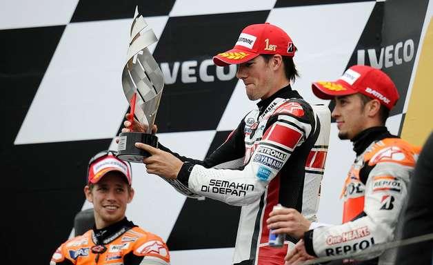 Na Garagem: Spies usa queda de Simoncelli e Lorenzo em Assen e vence 1ª na MotoGP