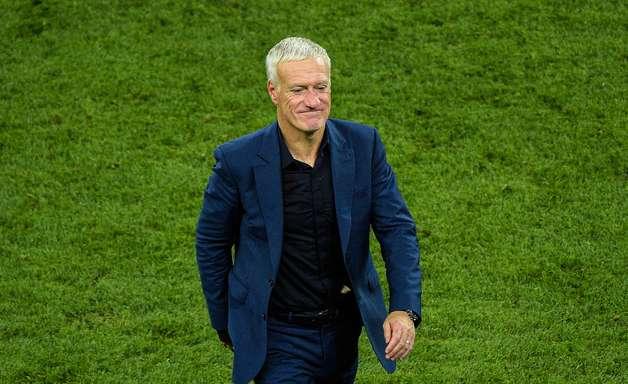 França garante Deschamps até a Copa de 2022 em três minutos
