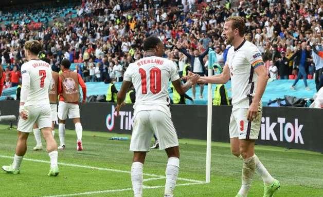 Sterling e Kane marcam, Inglaterra bate a Alemanha e avança