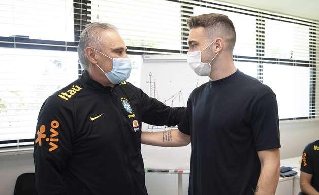 Léo Ortiz tem primeiro contato com a Seleção Brasileira