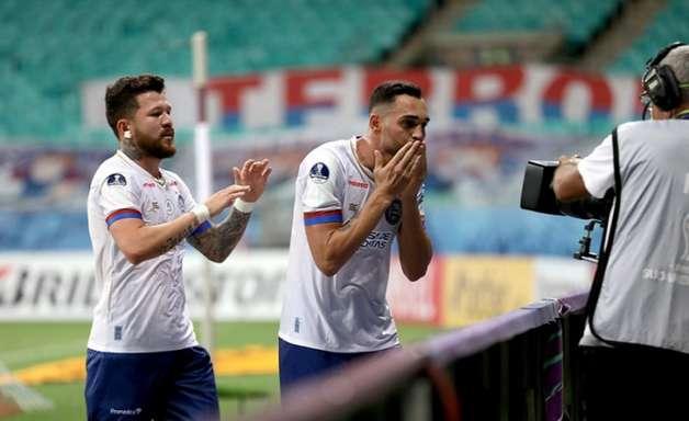 Gilberto atinge marca histórica com a camisa do Bahia