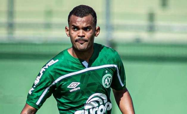 Vitor Gabriel comenta 'raçudo' empate da Chapecoense com o Cruzeiro no Sub-20