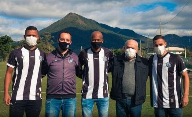 Três jogadores são oficializados como reforços do Figueirense