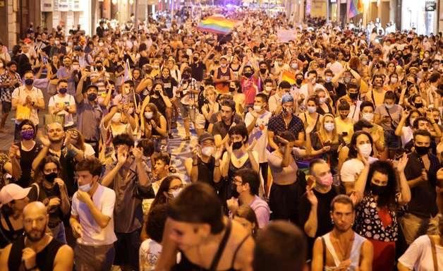 Morte de brasileiro gera atos contra homofobia na Espanha