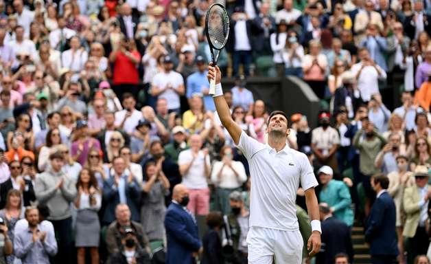 Djokovic vence com facilidade e vai à semifinal em Wimbledon
