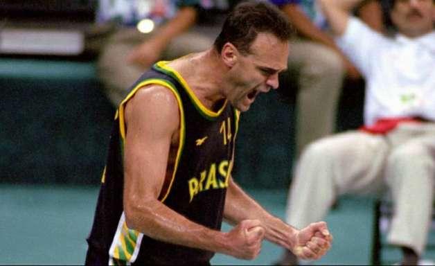Oscar fica frustrado sem basquete do Brasil na Olimpíada