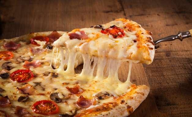Dia da Pizza: 15 receitas diferentes e saborosas para fazer em casa