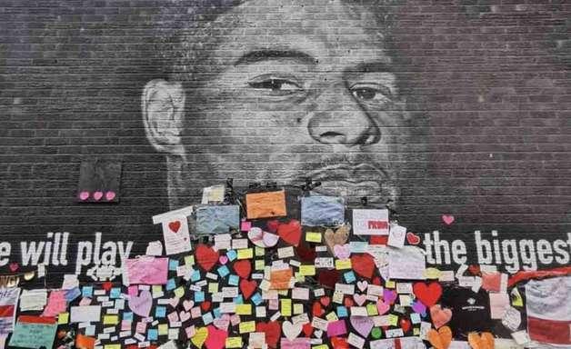 Mural de Rashford ganha apoio após vandalização racista