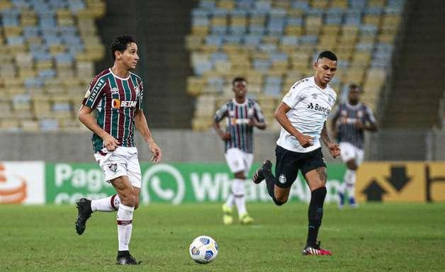 Ganso reclama após substituição no Fluminense; Roger minimiza episódio: 'Precisamos deixar de polemizar'