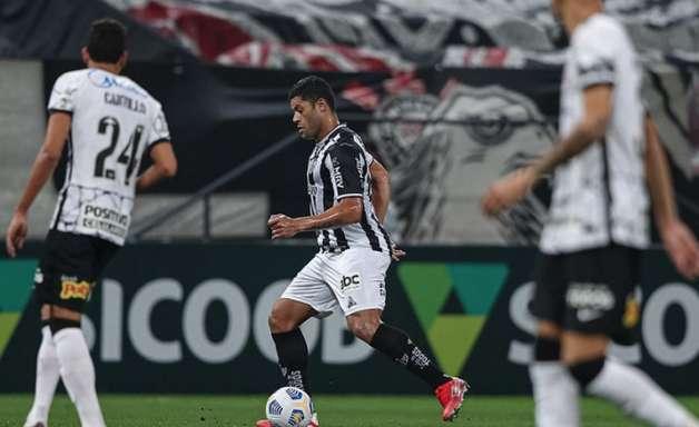 Hulk marca 2 vezes e Atlético-MG vence o Corinthians