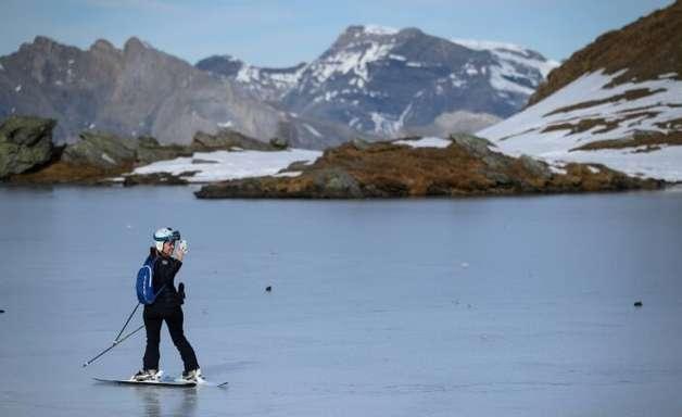 Derretimento de geleiras cria mais de 1.000 lagos nos Alpes suíços