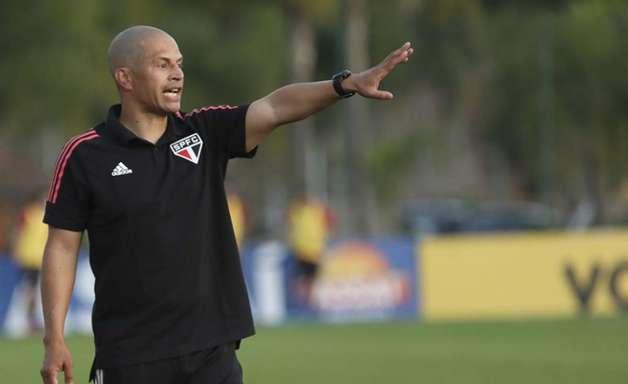 Sub-20: Alex explica São Paulo com três zagueiros: 'Se o Crespo precisar, eles estarão preparados'