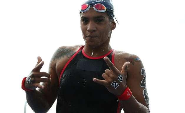 Agenda: Ana Marcela luta por pódio, vôlei e estreia do park