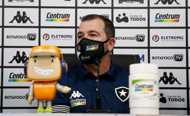 """Novo técnico do Botafogo diz """"saber bem tamanho do desafio"""""""