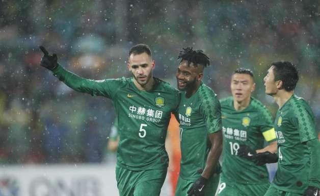 Perto do Corinthians, Renato Augusto dá adeus a time chinês