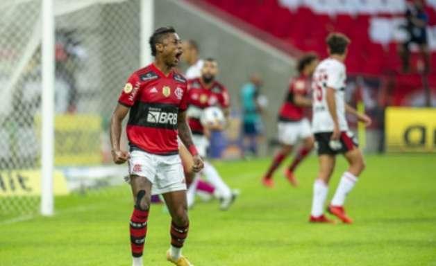Bruno Henrique brinca com gol anulado e mostra empolgação com fase do Flamengo: 'Esse é o nosso ano'