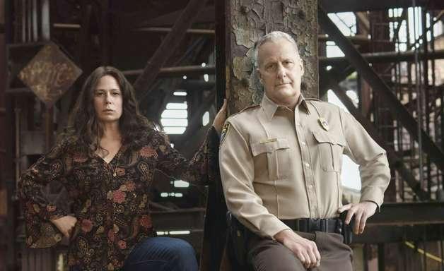 American Rust: Jeff Daniels é chefe de polícia em trailer de minissérie criminal