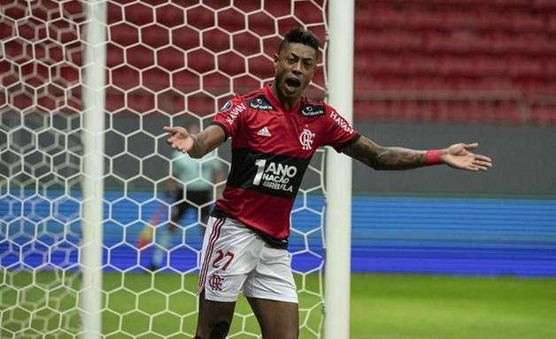 Bruno Henrique supera Nunes em ranking de artilheiros do Flamengo no Brasileiro