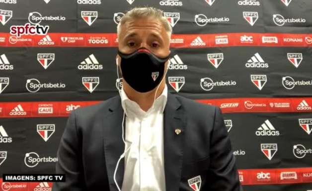 """SÃO PAULO: """"O resultado não retrata o jogo"""", defende Crespo ao falar da goleada sofrida para o Flamengo"""