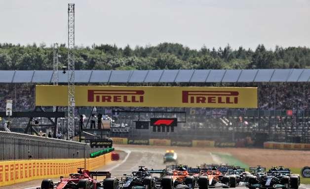 Podcast Em Ponto: FIA vai rever choque entre Hamilton e Verstappen no GP da Inglaterra de F1