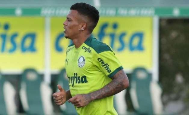 Veron celebra retorno após lesão no Palmeiras: 'Foi como estrear de novo'