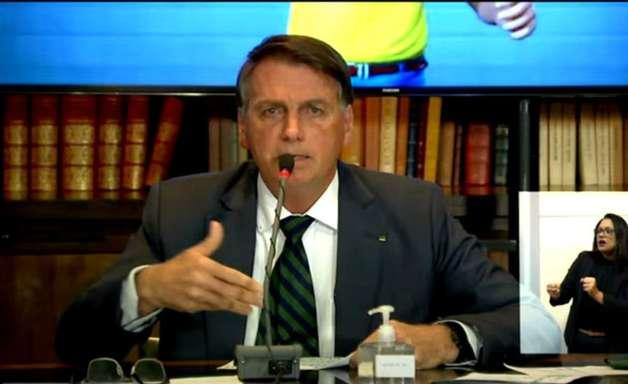 Juristas analisam se Bolsonaro cometeu crime em live