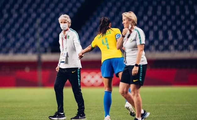 Pia espera ver Brasil forte na bola aérea contra canadenses