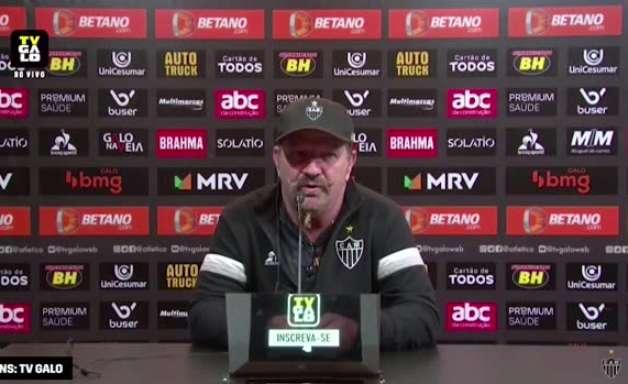 ATLÉTICO-MG: Cuquinha exalta força do grupo na vitória construída na segunda etapa contra o Athletico-PR