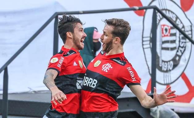 Flamengo atropela Corinthians por 3 a 1 e cola no G4