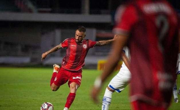 Jean Patrick acredita em classificação do CRB diante do Fortaleza pela Copa do Brasil