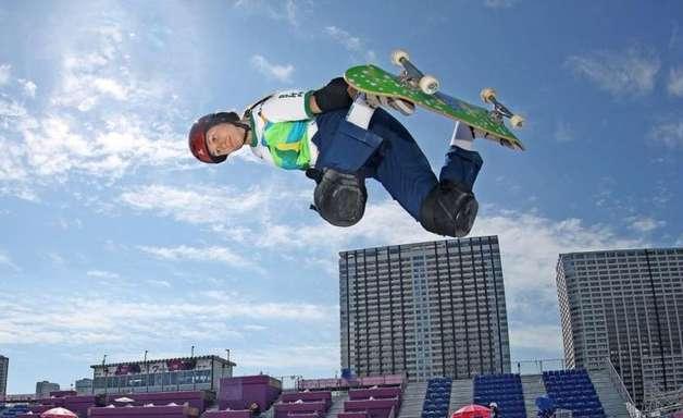 Brasileiras Dora Varela e Yndiara Asp se classificam para final do skate park na Olimpíada