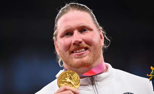 Ryan Crouser bateu o próprio recorde olímpico 3 vezes