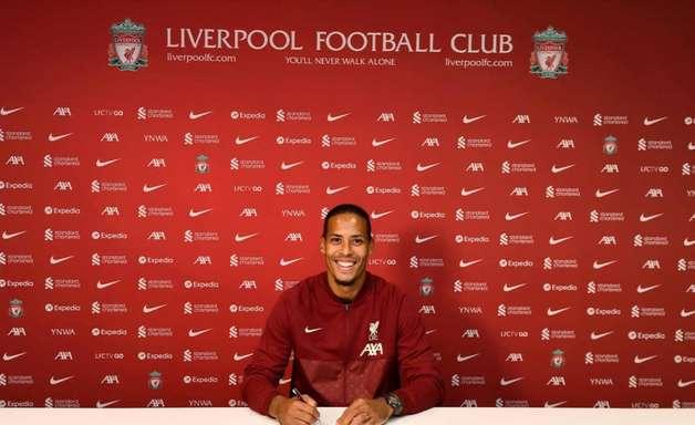 Liverpool anuncia extensão de contrato de Van Dijk até 2025