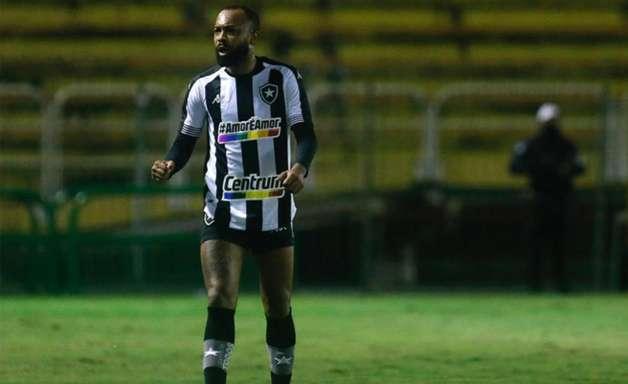 Botafogo arrecada R$ 21 mil com camisas usadas no Brasileiro; valor vai para projeto LGBTQIA+