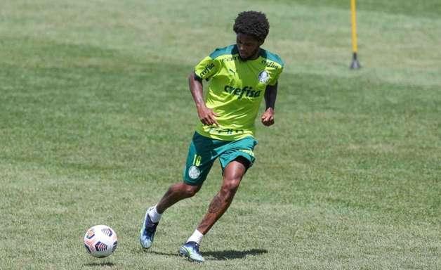 Luiz Adriano retorna e Palmeiras foca na Libertadores