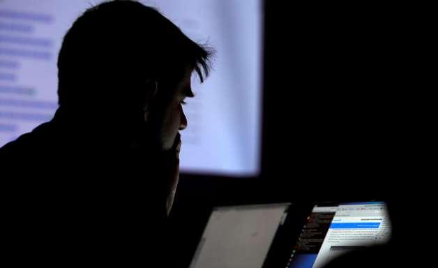 TSE estuda regra para 'secar' receita de sites extremistas