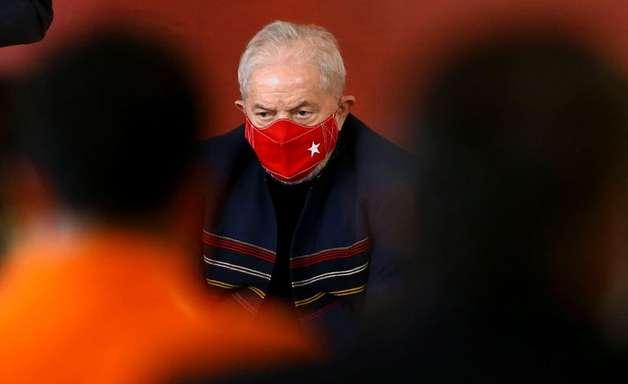 Lula amplia vantagem sobre Bolsonaro em 2022, diz pesquisa