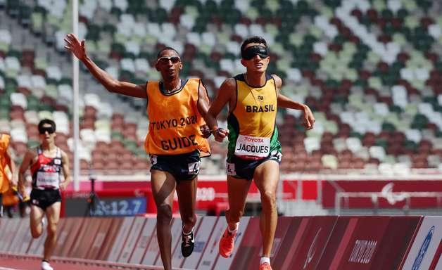 Atletismo: Yeltsin Jacques conquista o ouro na Paralímpiada