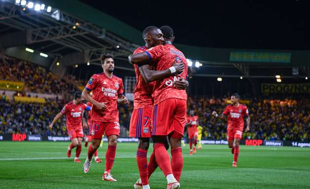 Lyon bate o Nantes e conquista primeira vitória no Francês