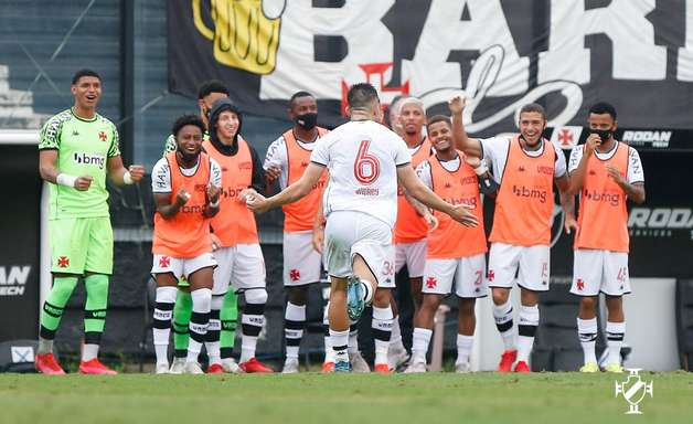 Vasco bate Ponte Preta e quebra jejum de vitórias na Série B