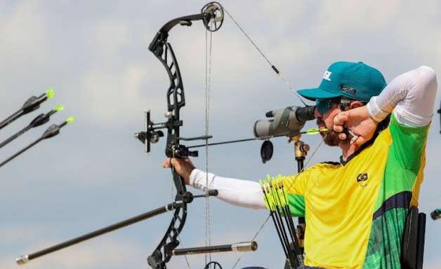 Equipe brasileira de tiro com arco é eliminada nas Paralimpíadas após derrota para a França